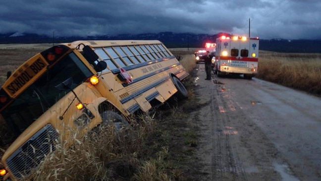 No major injuries after school bus crashes near Cascade