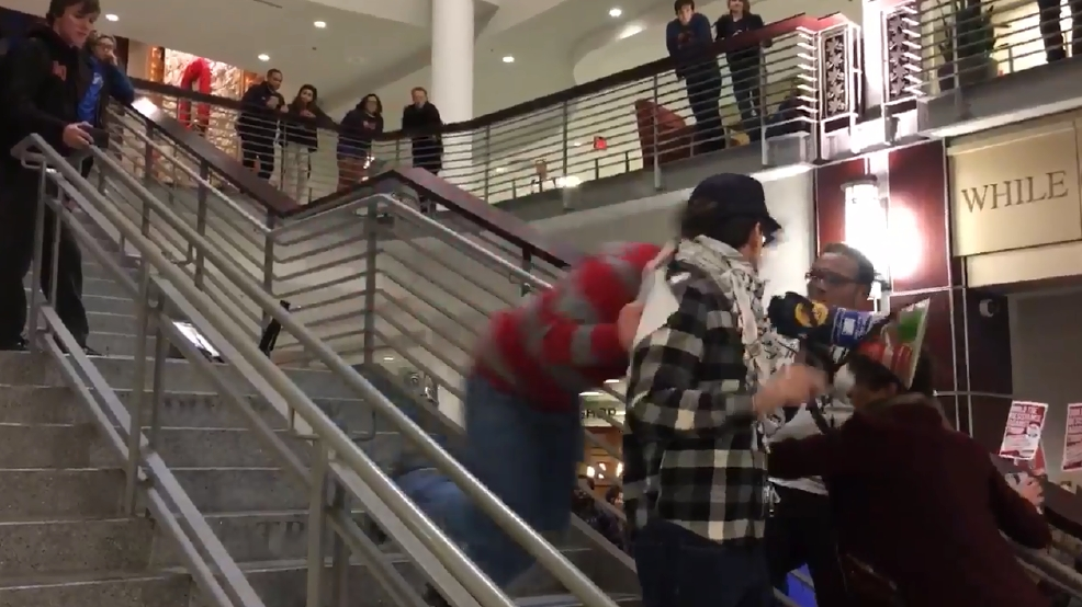 Trump protester tackled.PNG