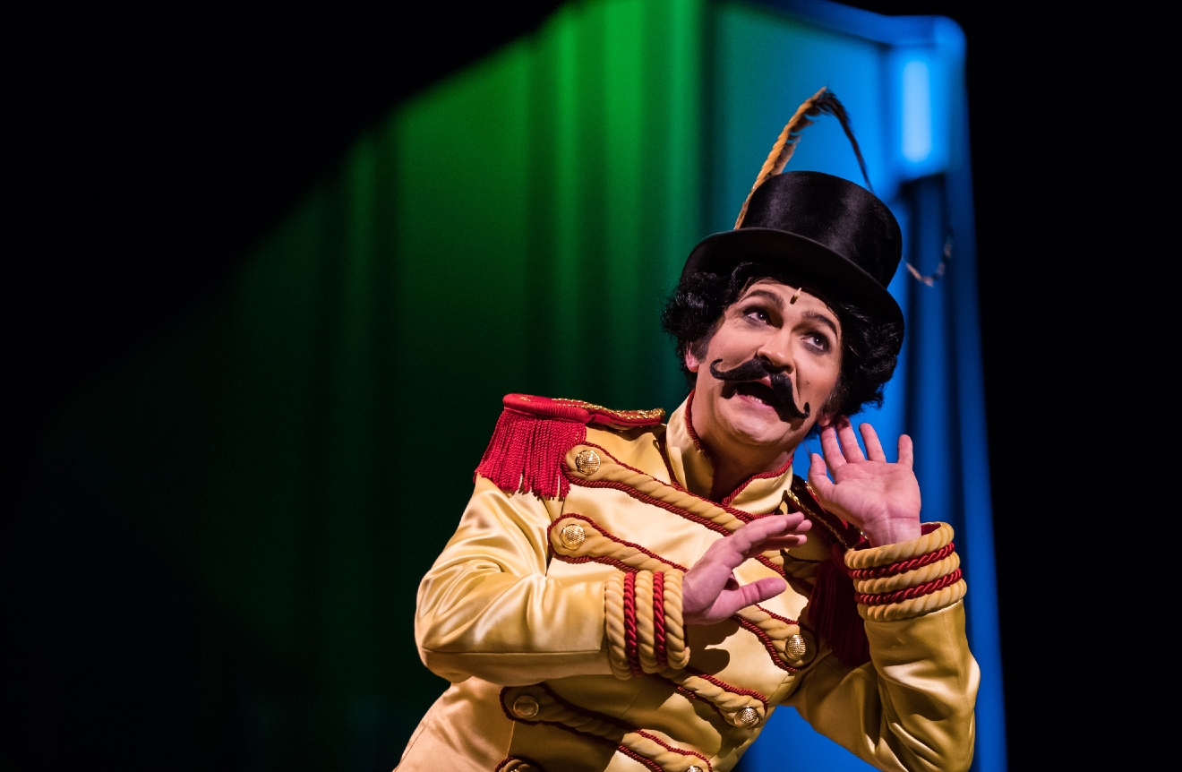 Jimmy Slonina plays the young ringmaster in the fifth annual One Night for One Drop, March 3, 2017. (Photo courtesy of Erik Kabik/ErikKabik.com)